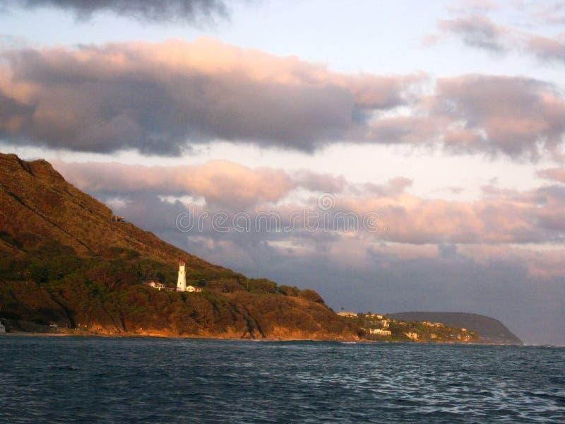 Vista di Diamondhead dall'oceano Pacifico fuori da Oahu fotografie stock