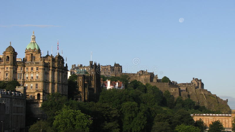 Vista di Edinburgh e del castello fotografia stock