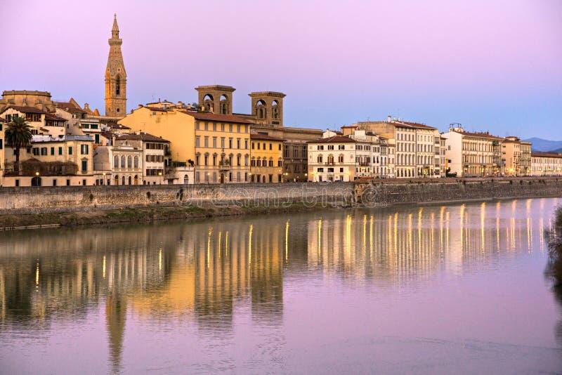 Vista di Firenze e del fiume del arno. immagine stock libera da diritti