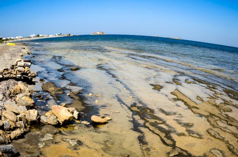 Vista di Fisheye di un'isola greca con le caratteristiche geologiche al fotografia stock