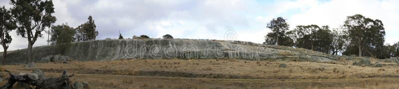 vista di grande roccia a forma di di Wave fotografie stock