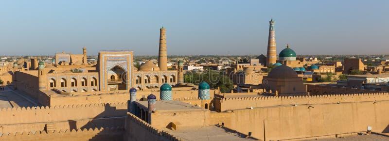 Vista di Ichon-Qala, la vecchia città di Khiva, l'Uzbekistan fotografia stock