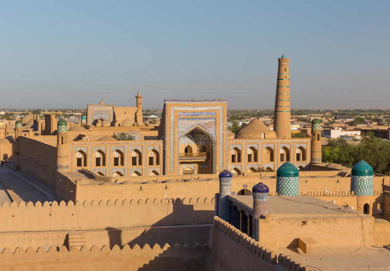 Vista di Ichon-Qala, la vecchia città di Khiva, l'Uzbekistan fotografia stock libera da diritti