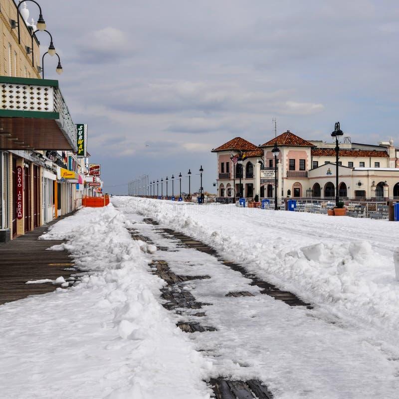 Vista di inverno dalla città dell'oceano nel New Jersey immagini stock
