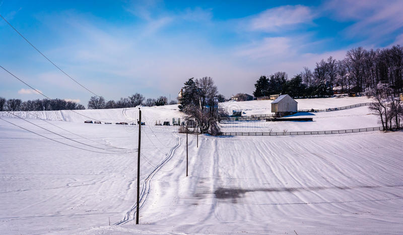 Vista di inverno di un'azienda agricola in Carroll County rurale, Maryland fotografia stock