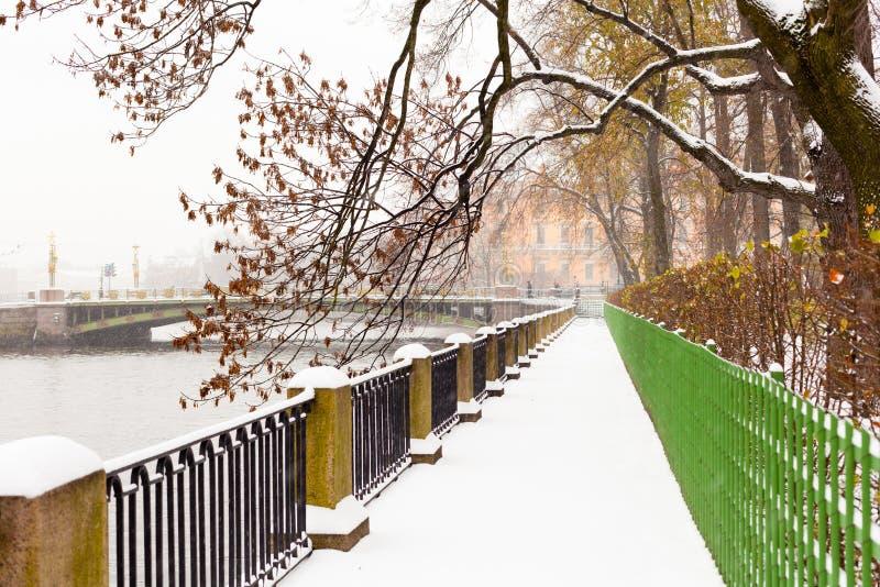 Vista di inverno nella sosta fotografia stock libera da diritti