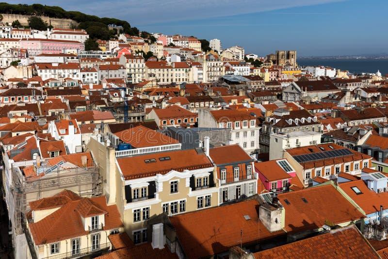 Vista di Lisbona, Portogallo da Santa Justa Lift fotografie stock