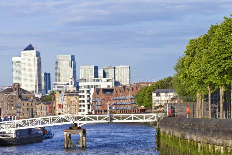 Vista di lungomare dei Docklands di Londra immagini stock libere da diritti