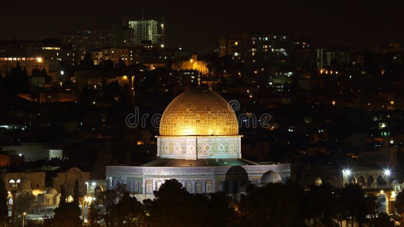 Vista di notte alla cupola della roccia, Gerusalemme, Israele immagini stock libere da diritti