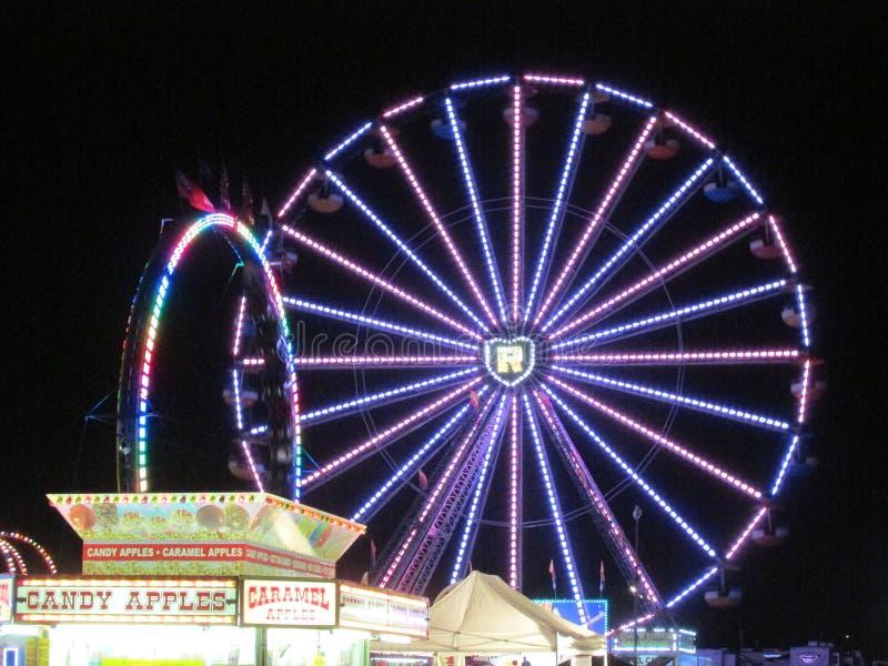 """Download Vista Di Notte Del Festival Del Nord Di Sport Della Gioventù Di Brunswick In NJ U.S.A. Ð """" Fotografia Editoriale - Immagine di notte, luce: 55358566"""