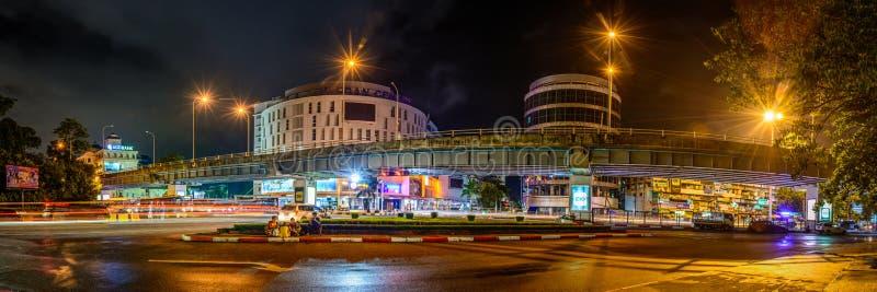 Vista di notte del ponte sopraelevato della giunzione di Hladan fotografia stock
