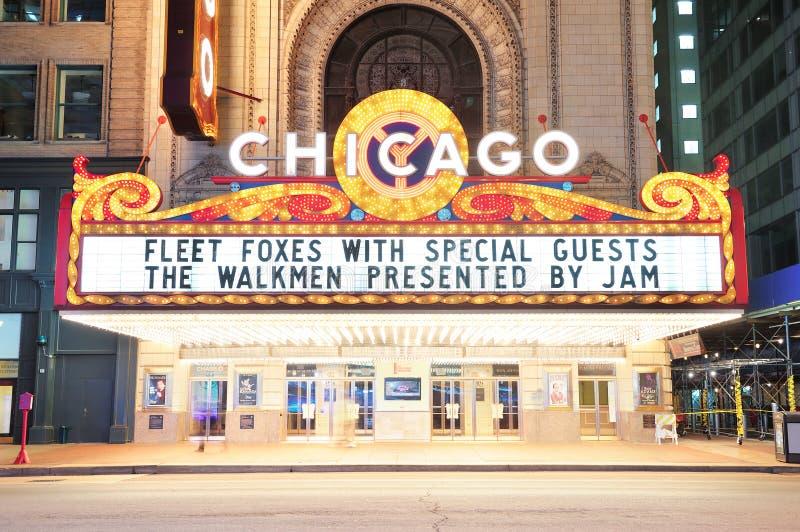 Vista di notte del teatro del Chicago immagini stock