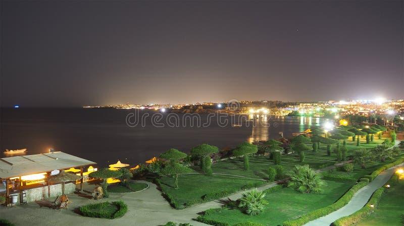 Vista di notte dell'hotel fotografia stock