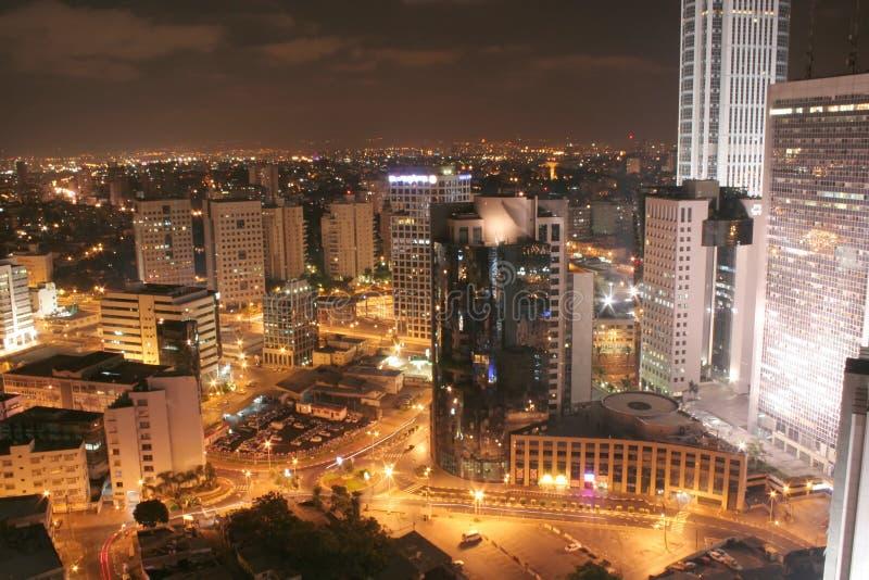 Vista di notte della città immagine stock libera da diritti