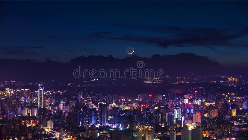 Vista di notte della città a Fuzhou, Cina immagine stock libera da diritti