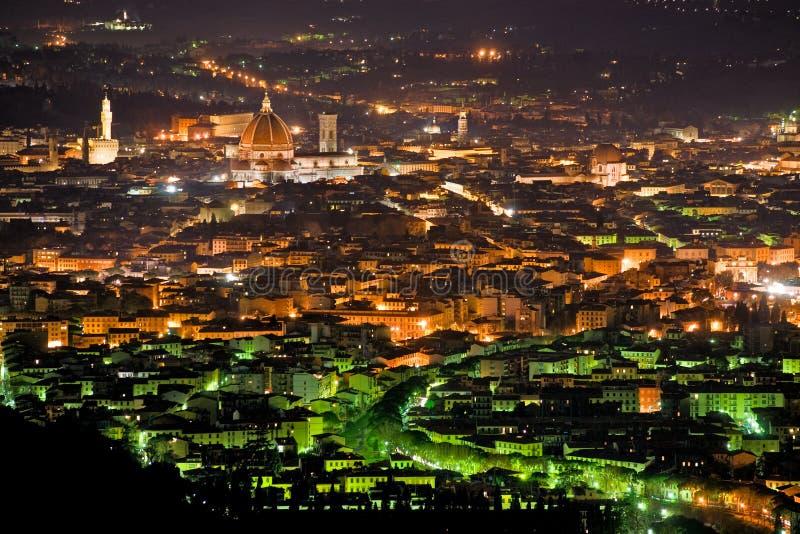 Vista di notte di Firenze da Fiesole. fotografie stock libere da diritti
