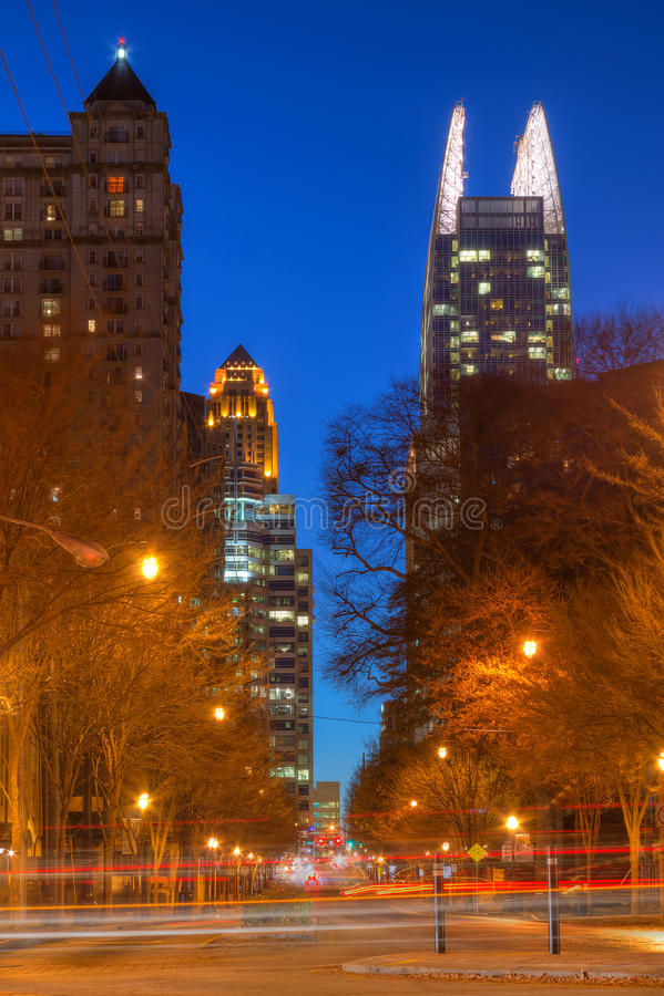 Vista di notte di Midntown Atlanta, U.S.A. fotografia stock