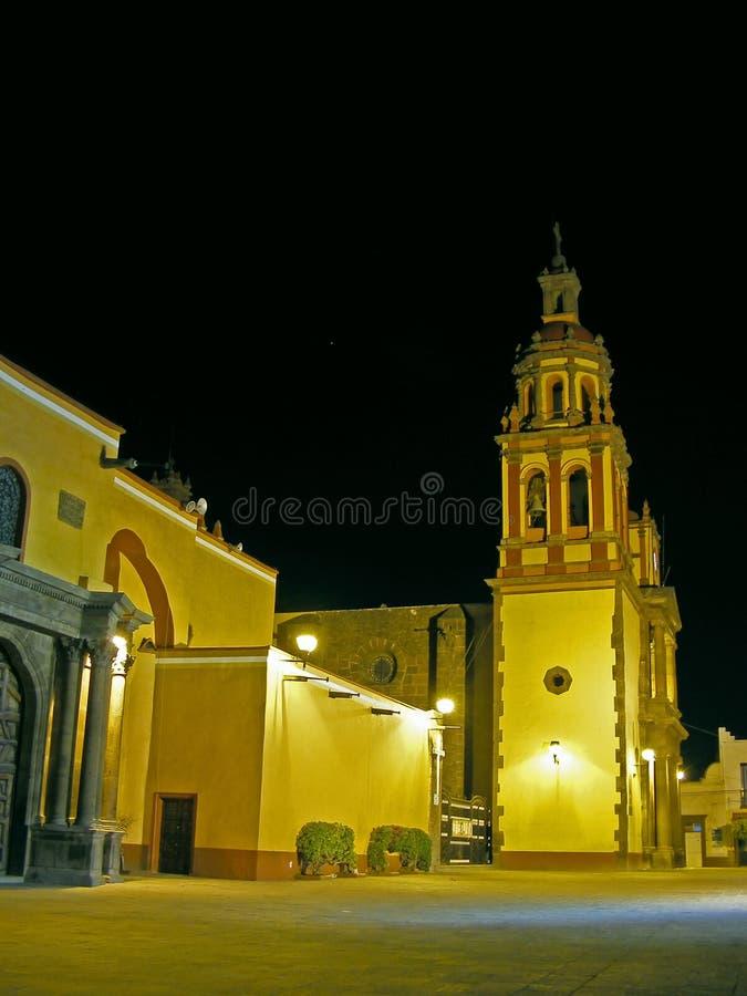 Vista di notte di una chiesa di XVIIIesimo secolo fotografia stock