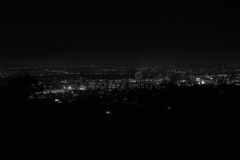 Vista di notte di Los Angeles in Griffith Observatory fotografia stock