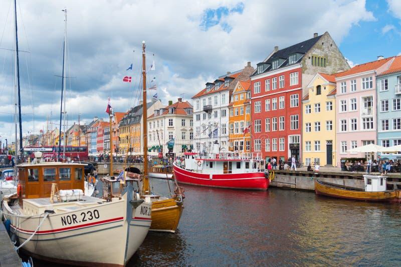 Vista di Nyhavn a Copenhaghen, Danimarca immagini stock libere da diritti