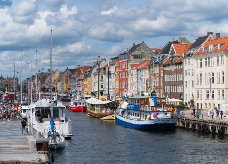 Vista di Nyhavn a Copenhaghen, Danimarca fotografia stock libera da diritti