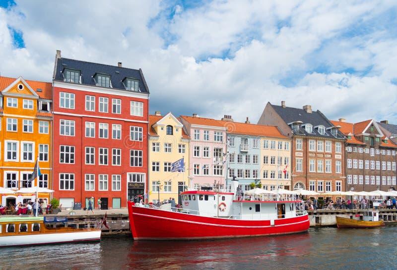 Vista di Nyhavn a Copenhaghen, Danimarca immagine stock libera da diritti