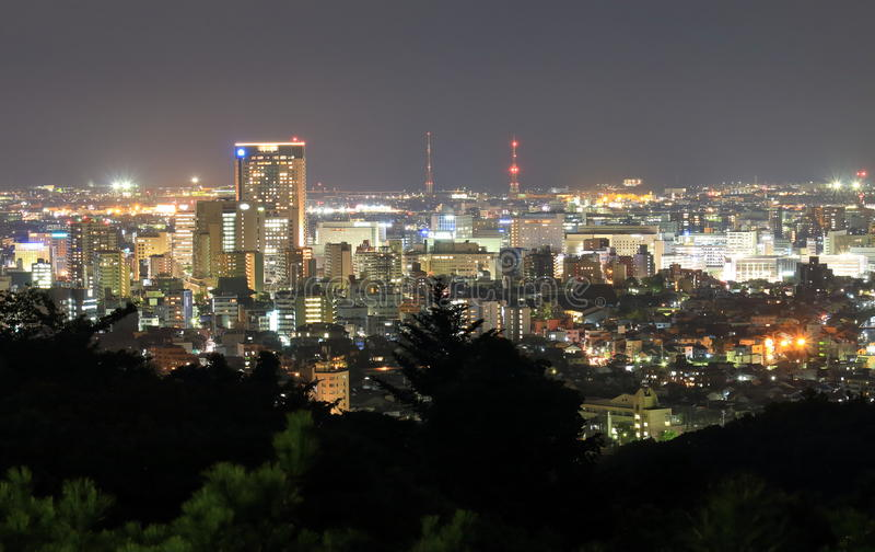 Vista di paesaggio urbano di notte di Kanazawa a Kanazawa Giappone fotografie stock libere da diritti