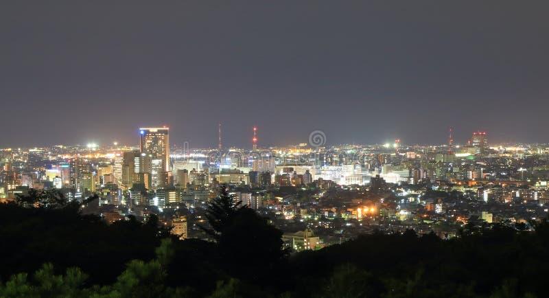 Vista di paesaggio urbano di notte di Kanazawa a Kanazawa Giappone fotografia stock