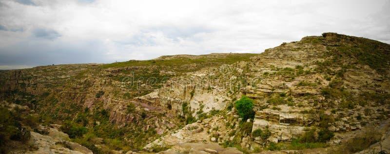 Vista di panorama al canyon agli altopiani eritrei, Qohaito, l'Eritrea di Adi Alauti immagine stock libera da diritti