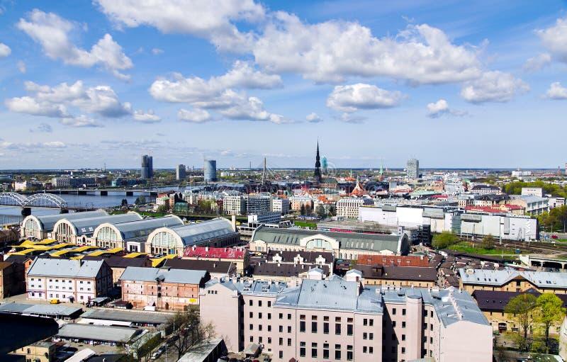 Vista di panorama della città di Riga, capitale della Lettonia immagini stock libere da diritti