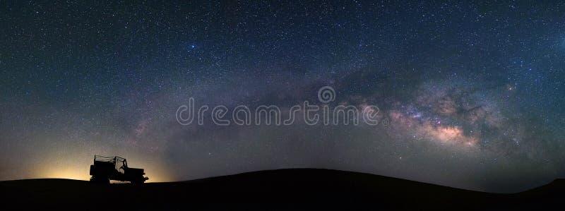 Vista di panorama della galassia della Via Lattea al deserto del catrame, Jaisalmer, India fotografia stock libera da diritti