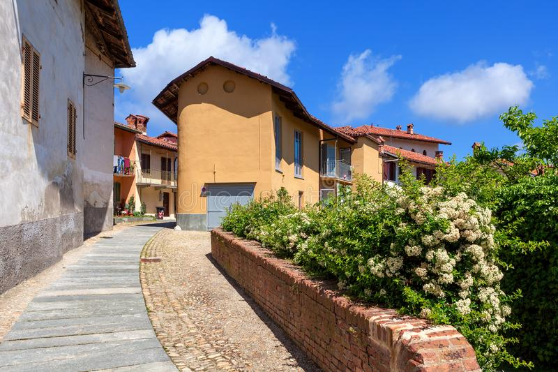 Vista di piccola città italiana fotografie stock libere da diritti