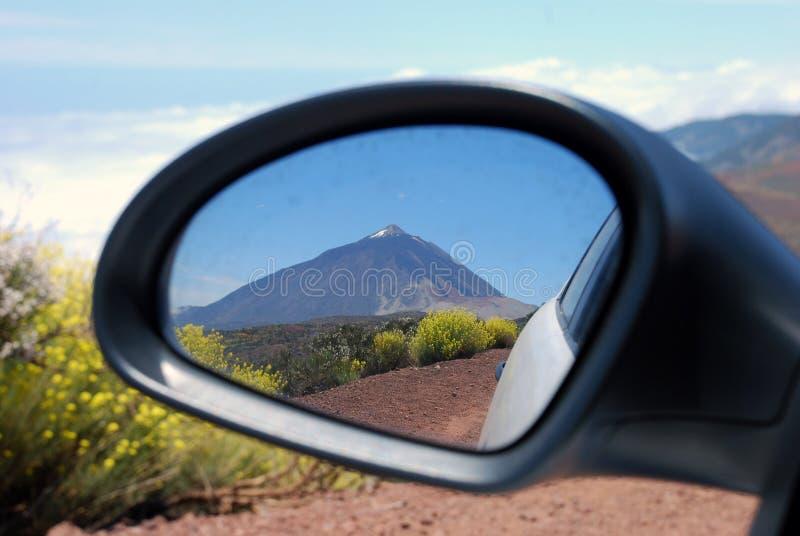 Vista di riflessione nello specchio laterale fotografie stock libere da diritti