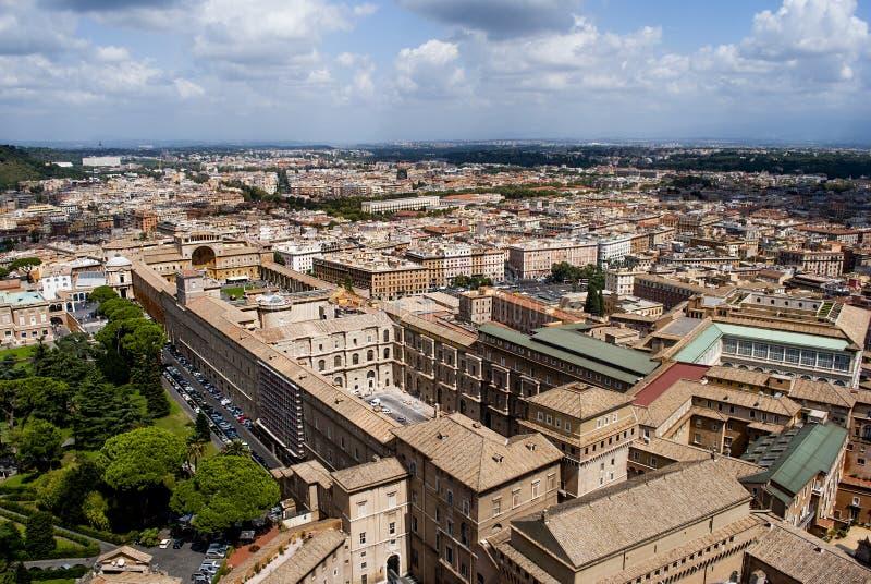 Vista di Roma dalla cima del san Peter Basilica fotografia stock libera da diritti