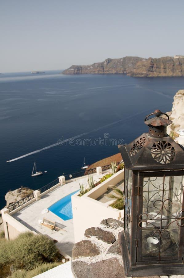 Vista di Santorini sopra il porto fotografie stock libere da diritti
