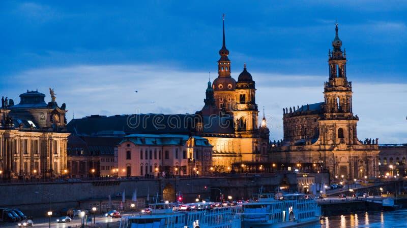 Vista di sera di Dresda della città fotografie stock libere da diritti