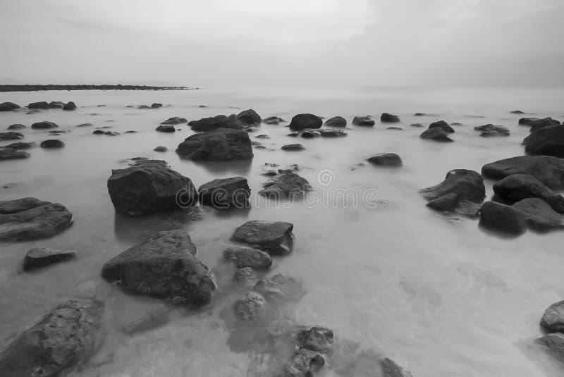 Vista di Snenic della spiaggia in Bali fotografia stock libera da diritti