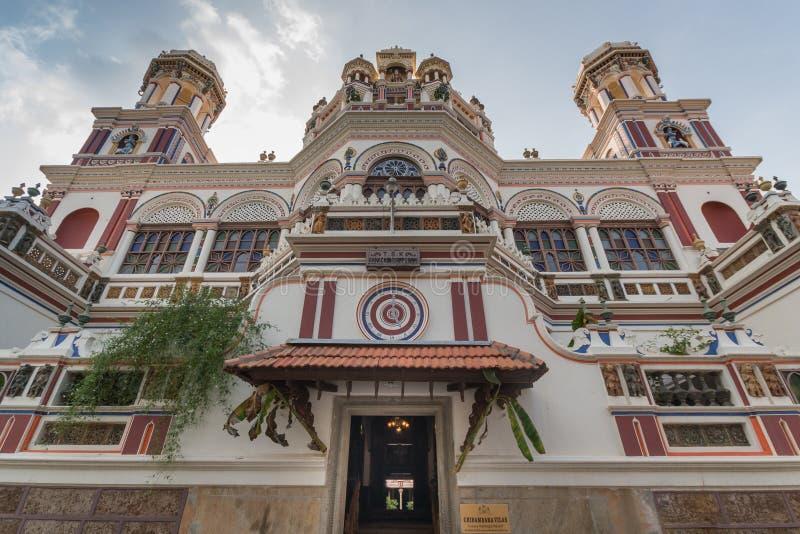 Vista di Straigth-up sulla facciata del palazzo di Chidambara immagine stock libera da diritti