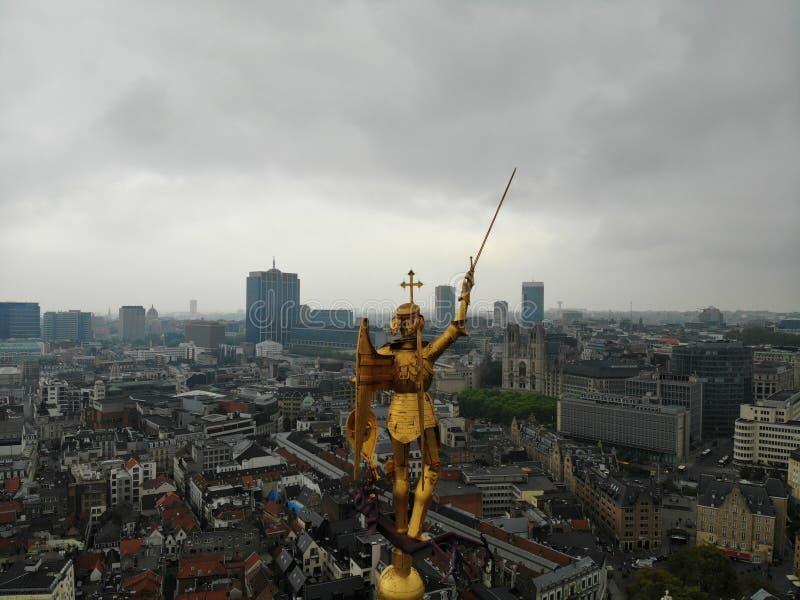 Vista di stupore da sopra La capitale del Belgio Grande Bruxelles Posto molto storico e turistico Deve vedere Vista dal fuco fotografia stock libera da diritti