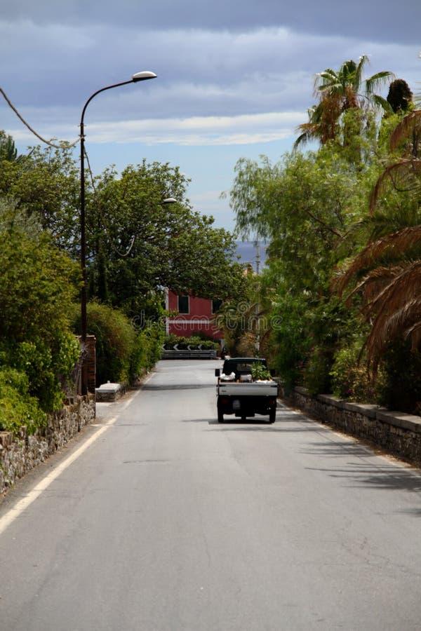 Vista di stupore di Taormina Sicilia Italia e natura strabiliante immagini stock