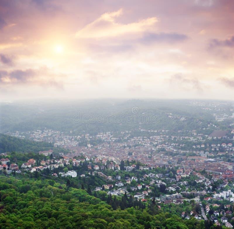 Vista di Stuttgart dalla più vecchia torretta della TV fotografia stock