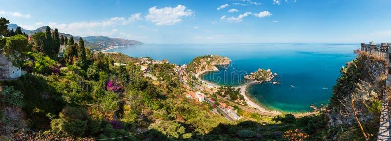 Vista di Taormina da su, la Sicilia fotografia stock libera da diritti