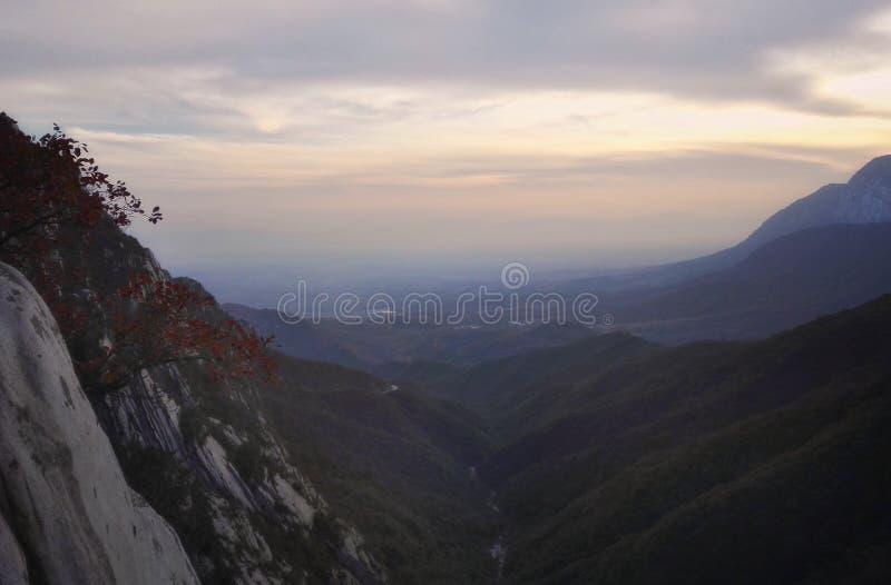 Vista 2 di tramonto del Monte Song fotografia stock libera da diritti