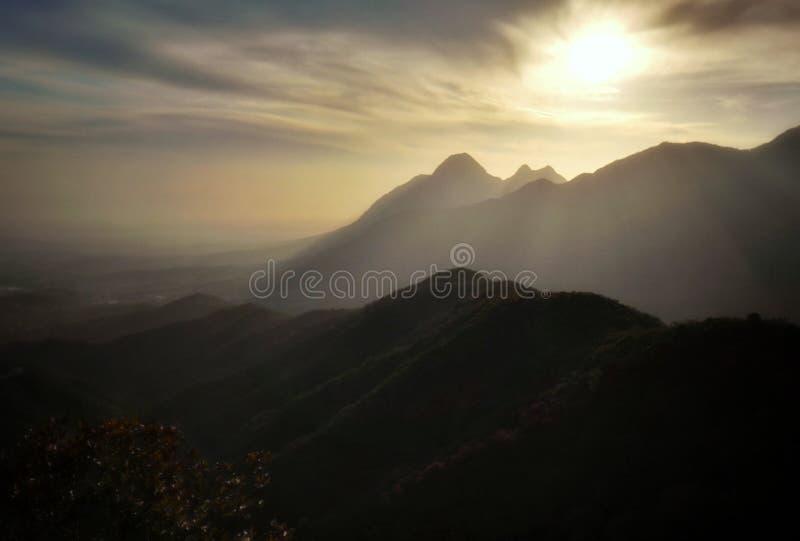 Vista 9 di tramonto del Monte Song fotografia stock libera da diritti