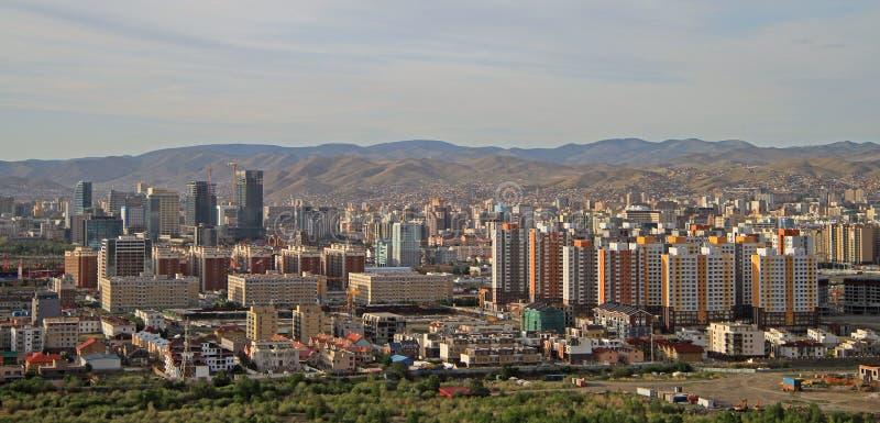 Vista di Ulan Bator dalla montagna Zaisan immagine stock
