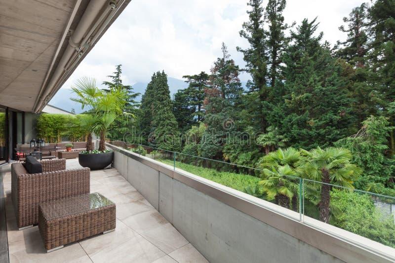 Vista di un balcone moderno fotografia stock