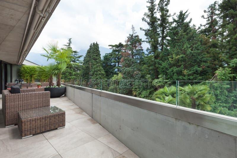 Vista di un balcone moderno fotografie stock libere da diritti