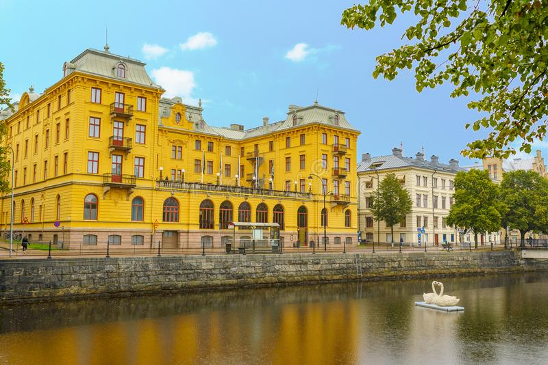 Vista di un canale nel Gavle centrale sweden fotografie stock libere da diritti