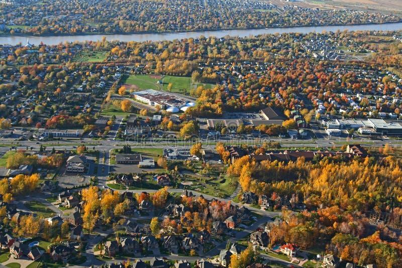 Vista di un destrict suburbano fotografia stock