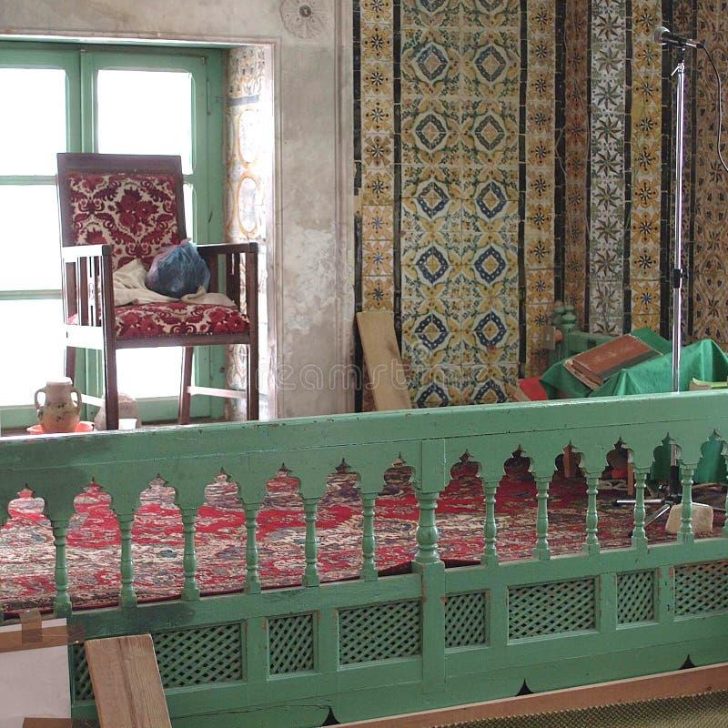 Vista di un interno della moschea fotografie stock libere da diritti